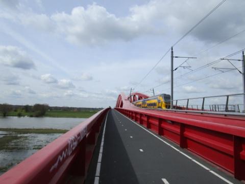 Spoorbrug bij Hattem