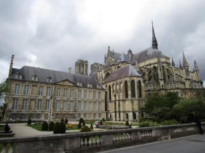 Notre Dame en paleis Tau
